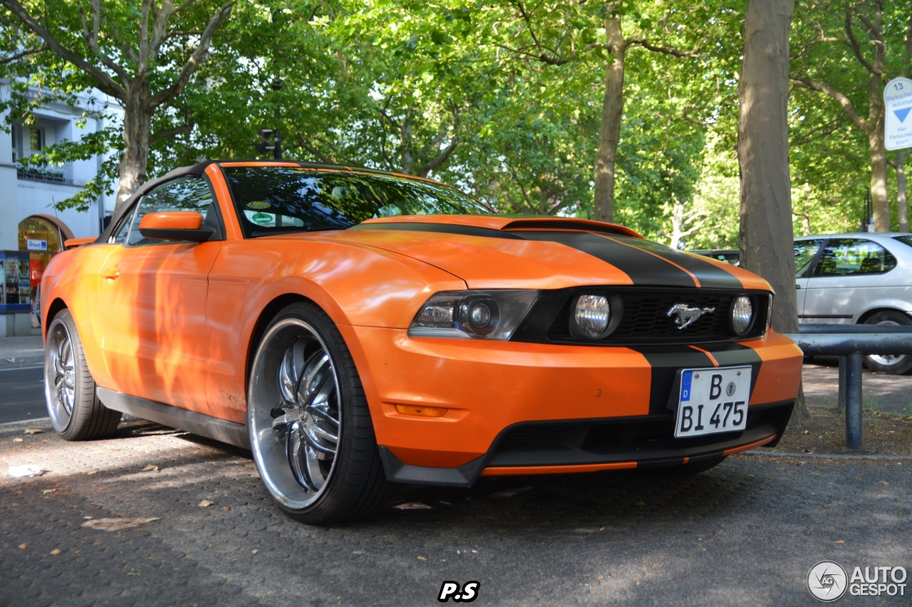 ford mustang gt convertible 2010 29 juli 2015 autogespot. Black Bedroom Furniture Sets. Home Design Ideas