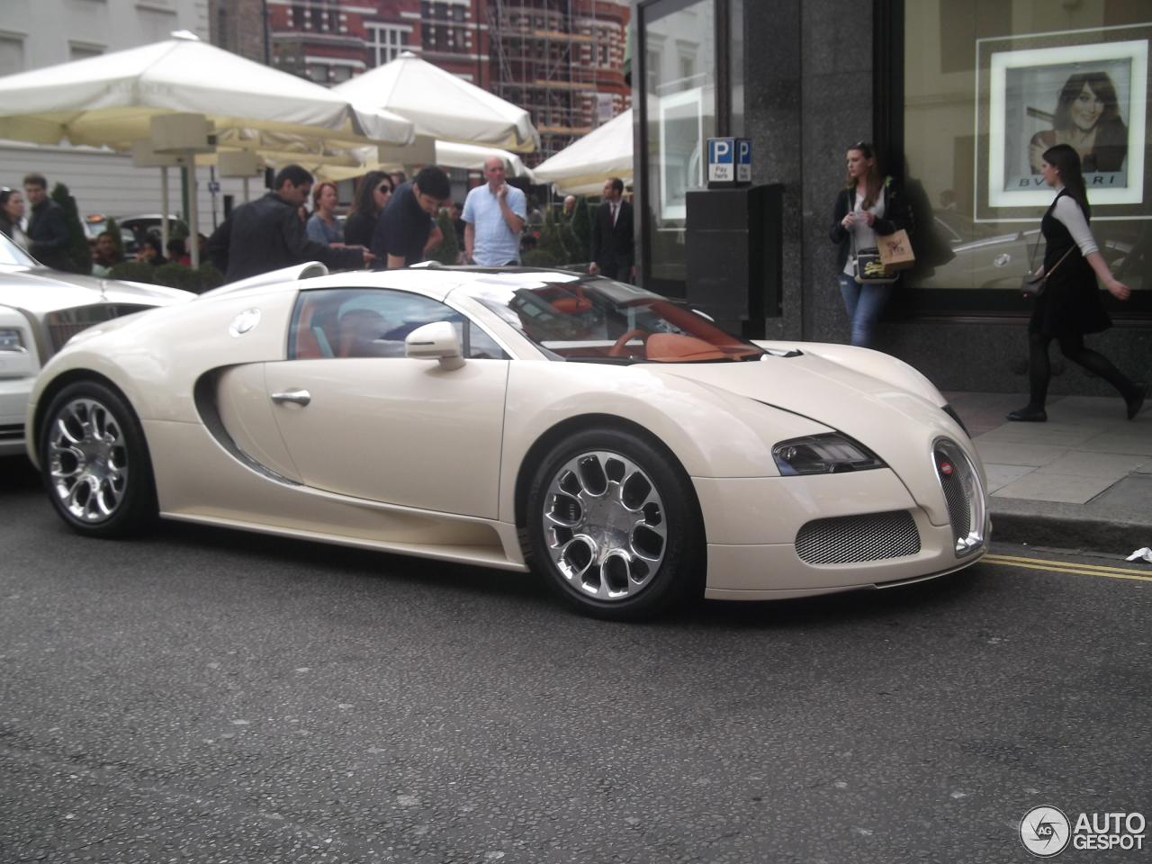 bugatti veyron 16 4 grand sport 30 july 2015 autogespot. Black Bedroom Furniture Sets. Home Design Ideas