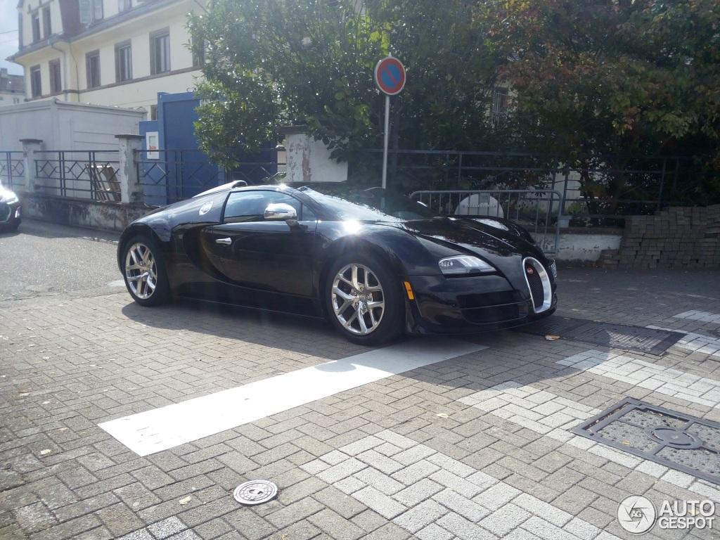 bugatti veyron 16 4 grand sport vitesse 31 july 2015 autogespot. Black Bedroom Furniture Sets. Home Design Ideas