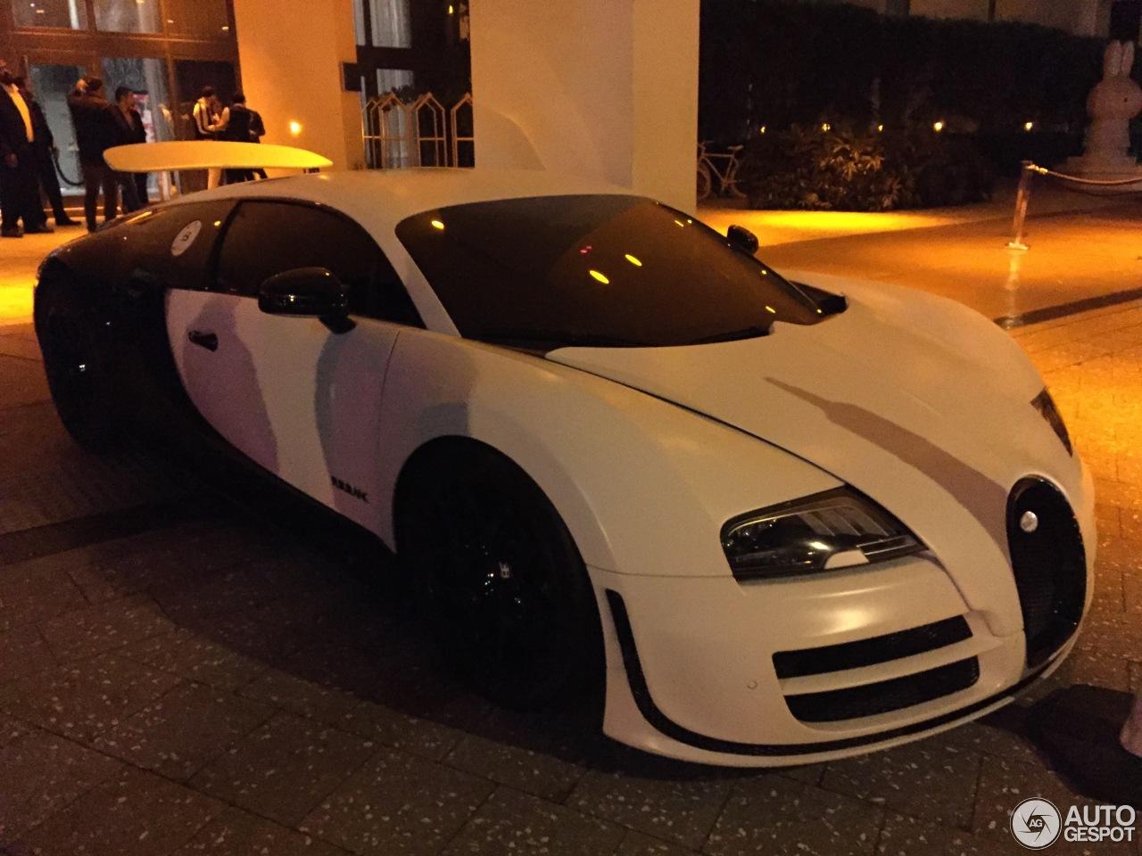 bugatti veyron 16 4 super sport pur blanc 1 august 2015 autogespot. Black Bedroom Furniture Sets. Home Design Ideas