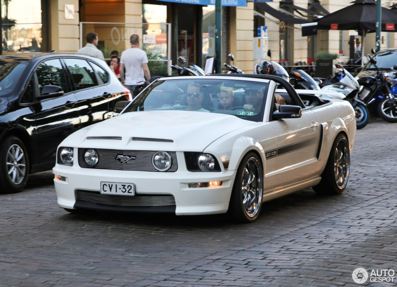 ford mustang gt california special convertible 1 august 2015 autogespot. Black Bedroom Furniture Sets. Home Design Ideas