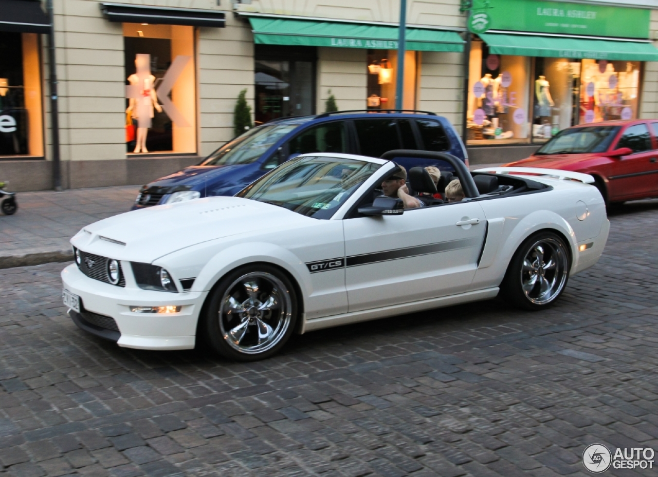 Blue And White Ford Panel Truck furthermore Ford Mustang Gt California Special Convertible C in addition Ford Mustang Gt Convertible Silver together with Ford Gt Gulf Mirage Auctioned For A Record Million besides Kia Sportage Crdi Eco. on 2016 ford mustang gt convertible