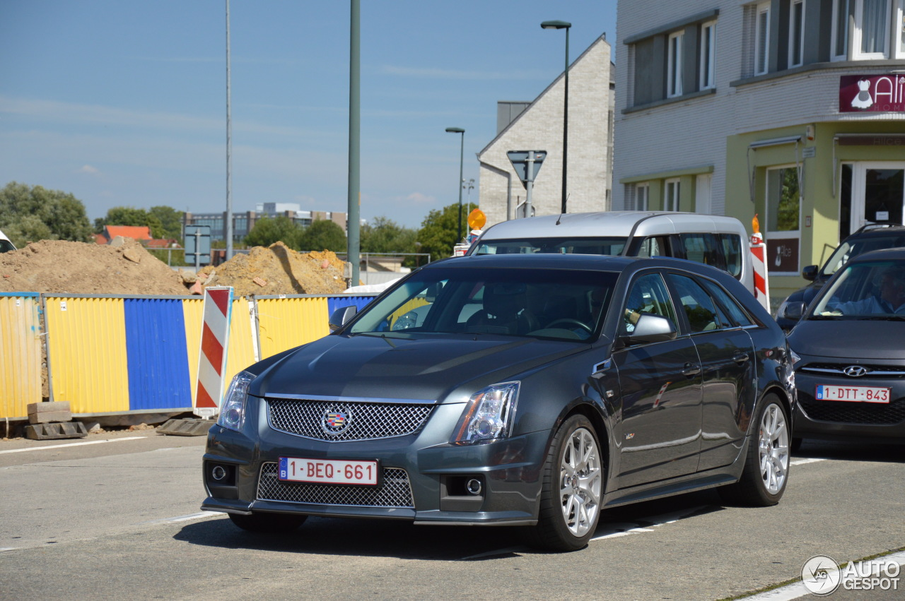 cadillac cts v sport wagon 3 august 2015 autogespot. Black Bedroom Furniture Sets. Home Design Ideas
