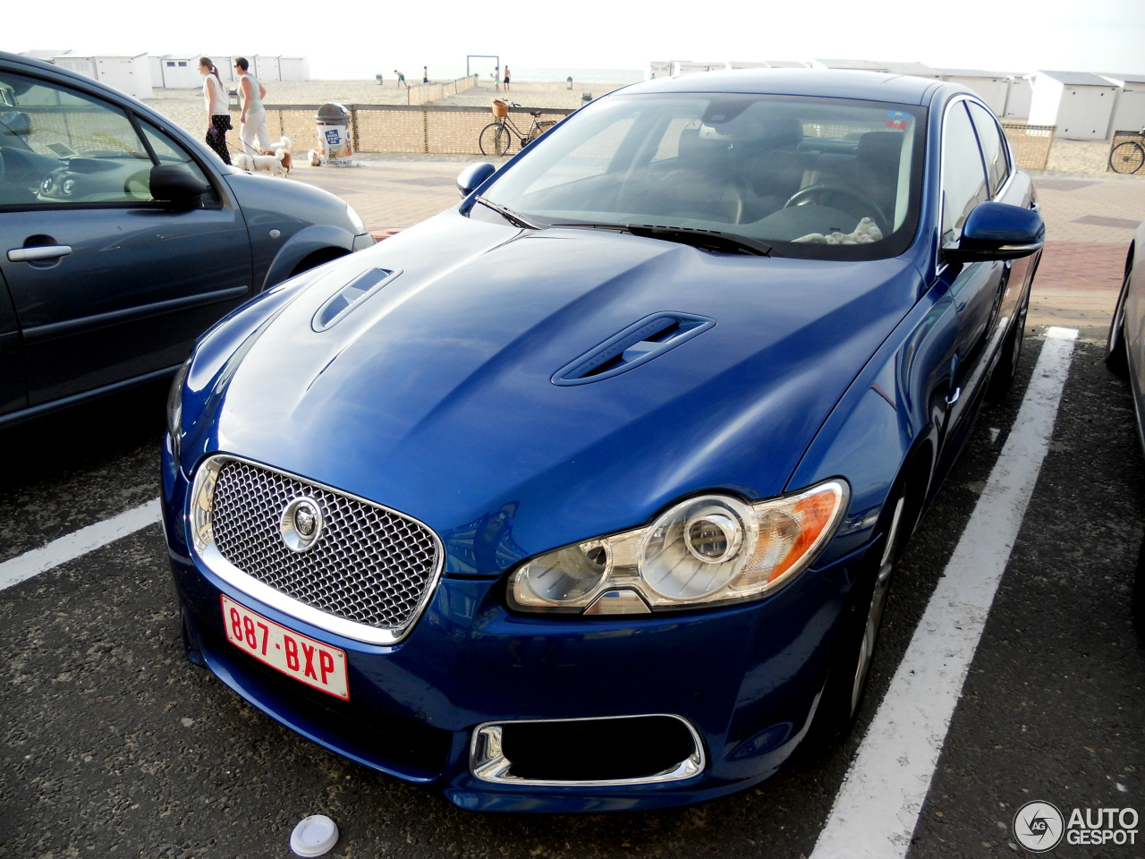 jaguar xfr 4 august 2015 autogespot. Black Bedroom Furniture Sets. Home Design Ideas