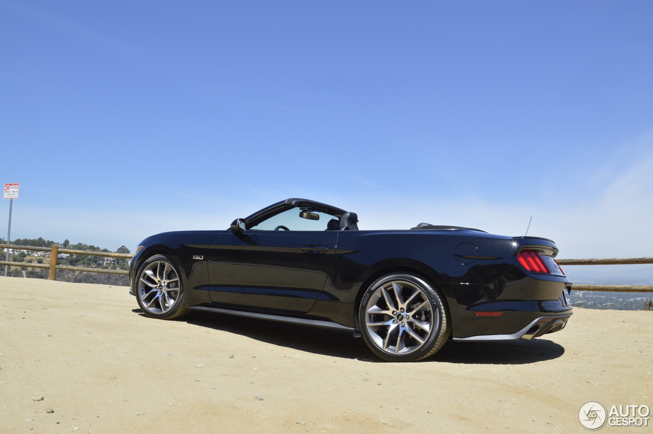 2 i ford mustang gt convertible 2015 2