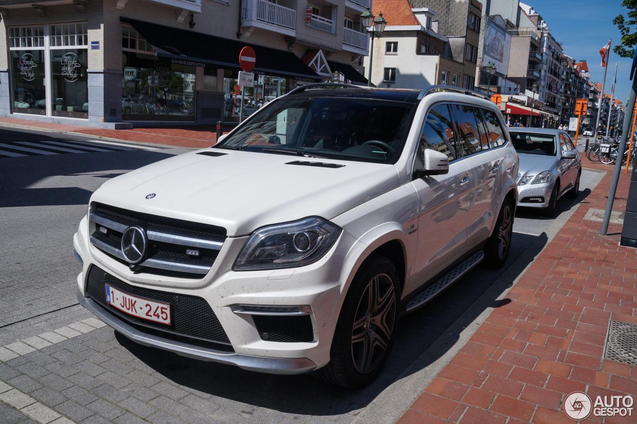 Mercedes benz gl 63 amg x166 5 august 2015 autogespot for Mercedes benz gl amg 2015
