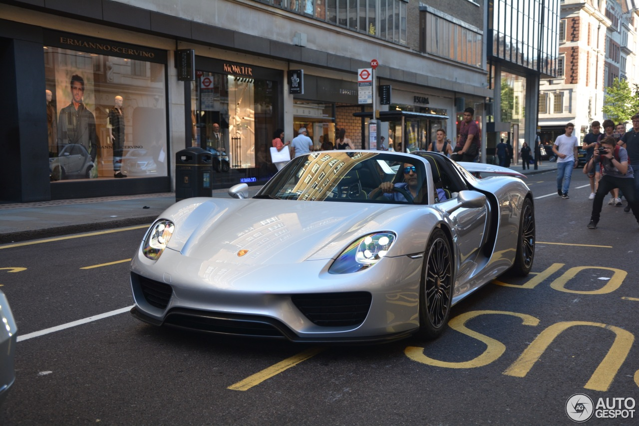 porsche 918 spyder 5 august 2015 autogespot. Black Bedroom Furniture Sets. Home Design Ideas
