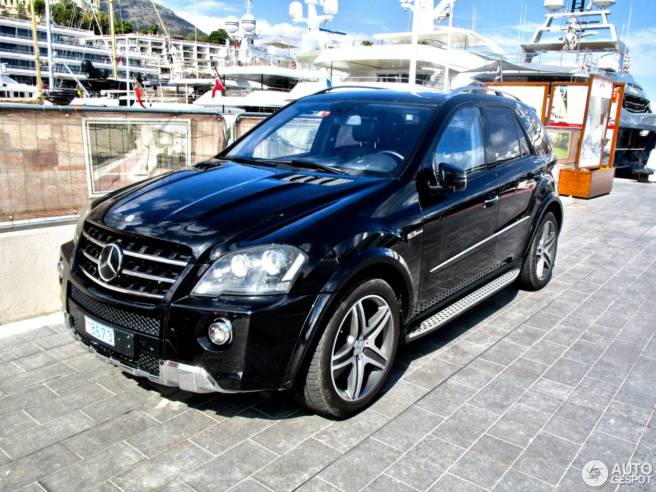 mercedes benz ml 63 amg w164 2009 6 august 2015 autogespot. Black Bedroom Furniture Sets. Home Design Ideas