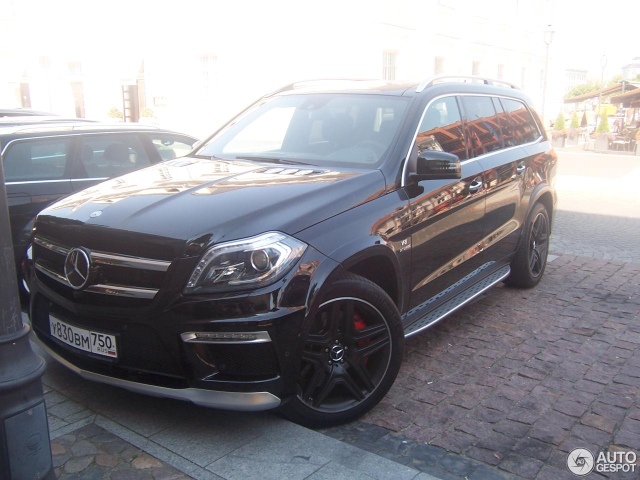 Mercedes benz gl 63 amg x166 7 august 2015 autogespot for Mercedes benz gl amg 2015