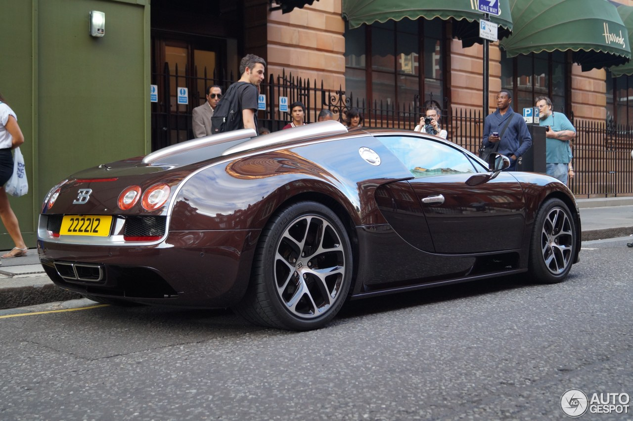 bugatti veyron 16 4 grand sport vitesse 8 august 2015 autogespot. Black Bedroom Furniture Sets. Home Design Ideas