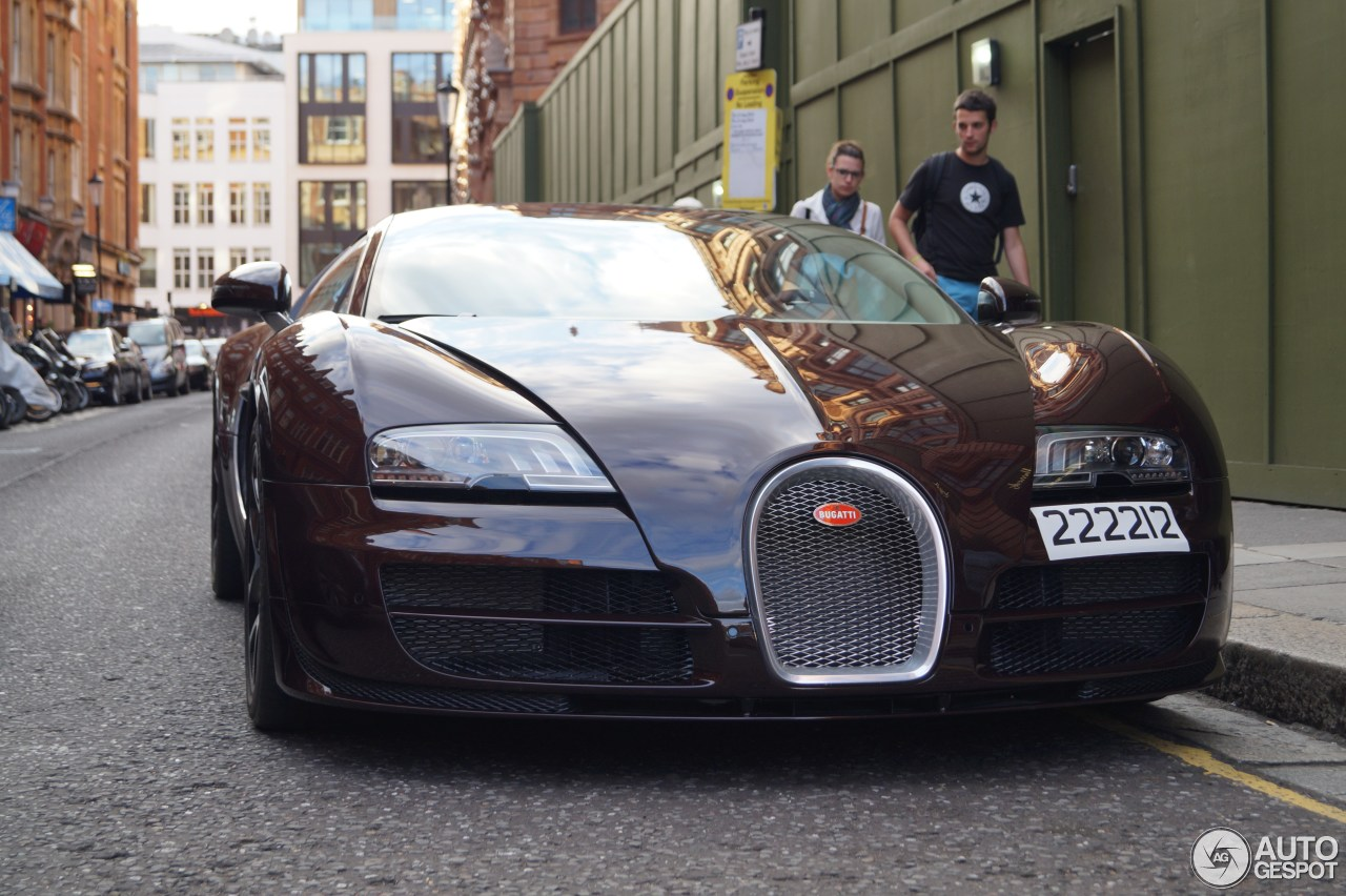 bugatti veyron grand sport vitesse in london bugatti veyron 16 4 grand sport vitesse 2 august. Black Bedroom Furniture Sets. Home Design Ideas