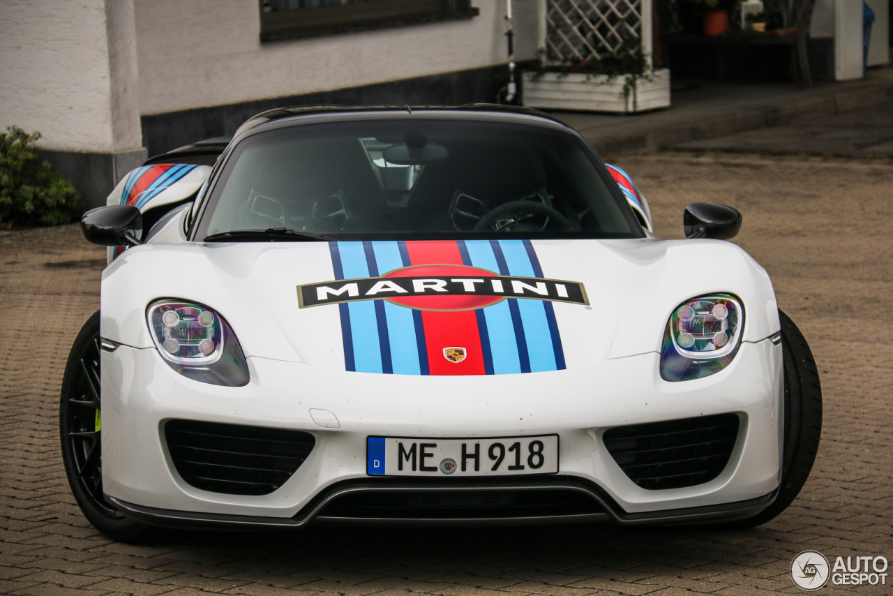 porsche 918 spyder weissach package 8 august 2015 autogespot. Black Bedroom Furniture Sets. Home Design Ideas
