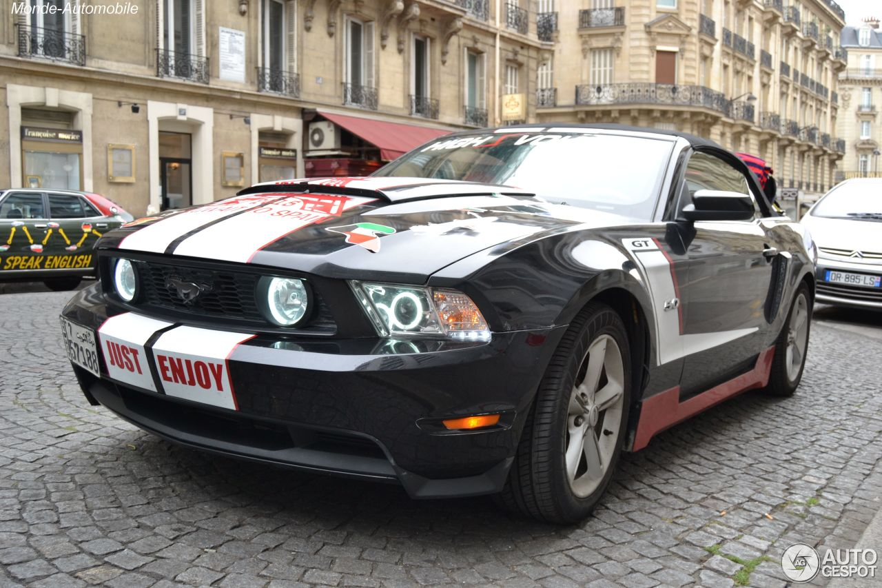 ford mustang gt convertible 2011 9 ao t 2015 autogespot. Black Bedroom Furniture Sets. Home Design Ideas