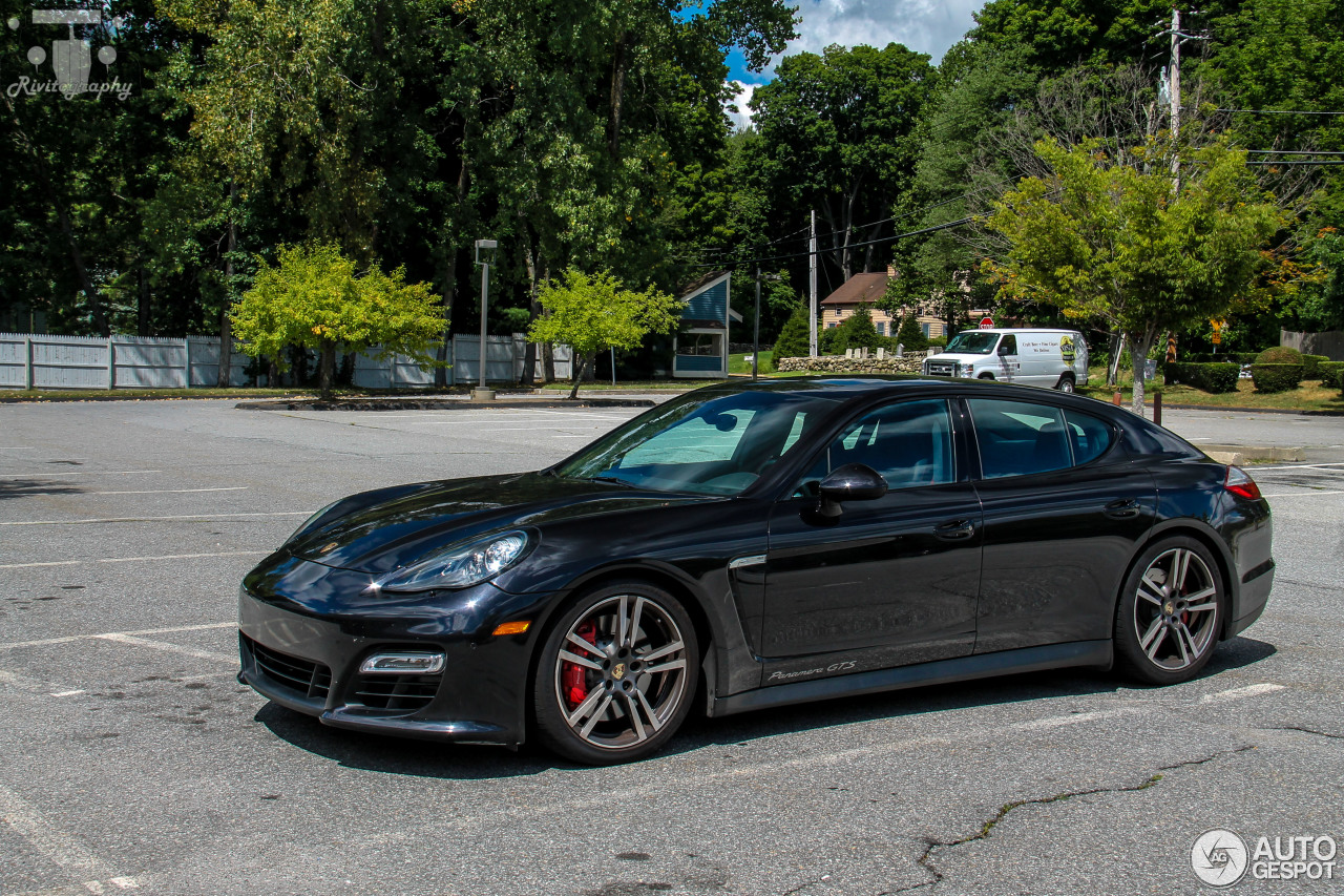 porsche panamera gts 9 august 2015 autogespot. Black Bedroom Furniture Sets. Home Design Ideas