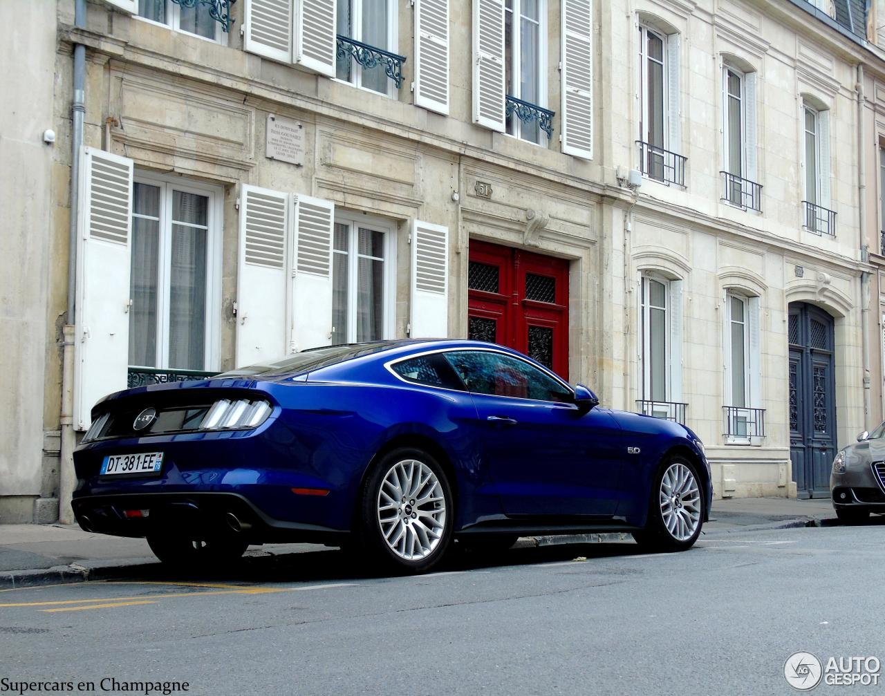 ford mustang gt 2015 10 ao t 2015 autogespot. Black Bedroom Furniture Sets. Home Design Ideas