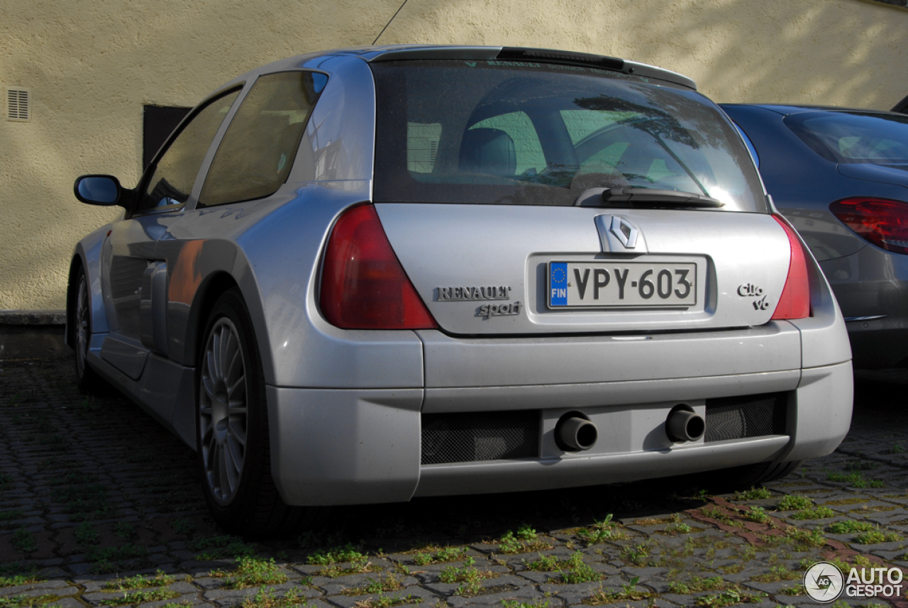 renault clio v6 11 august 2015 autogespot. Black Bedroom Furniture Sets. Home Design Ideas