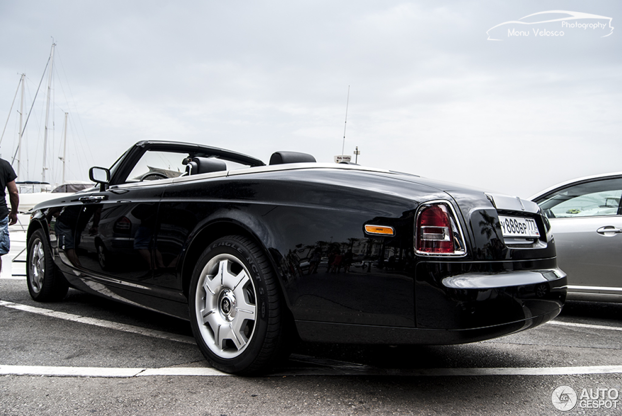 rolls royce phantom drophead coup 12 agosto 2015. Black Bedroom Furniture Sets. Home Design Ideas