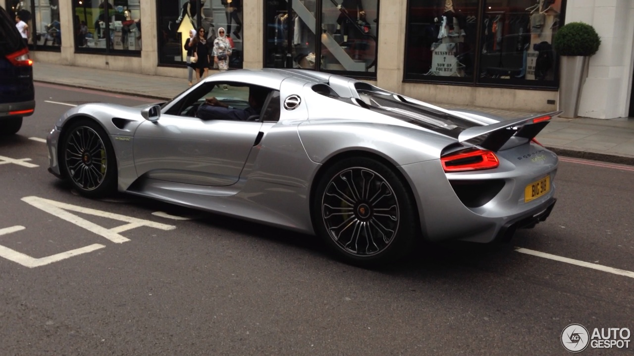 porsche 918 spyder 13 august 2015 autogespot. Black Bedroom Furniture Sets. Home Design Ideas