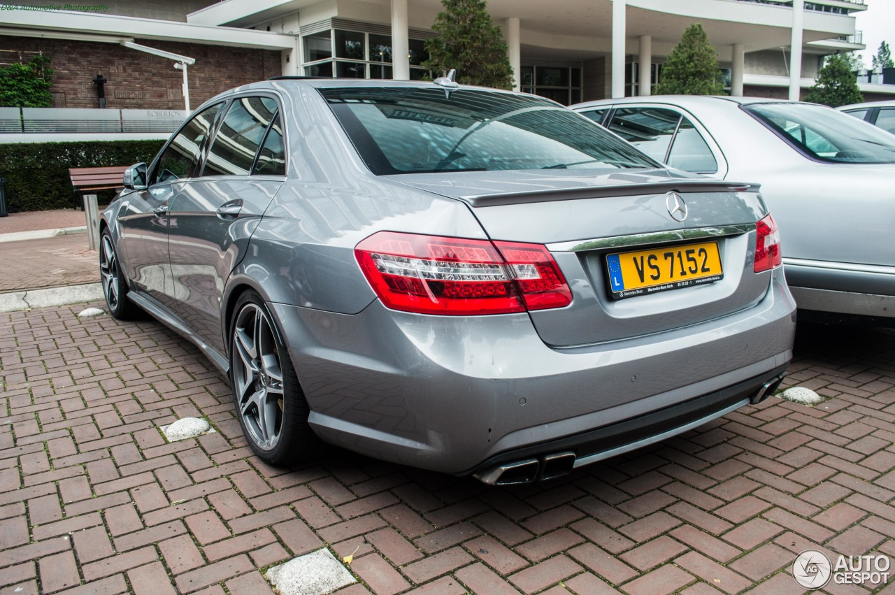 Mercedes benz e 63 amg w212 v8 biturbo 15 august 2015 for Mercedes benz amg v8 biturbo