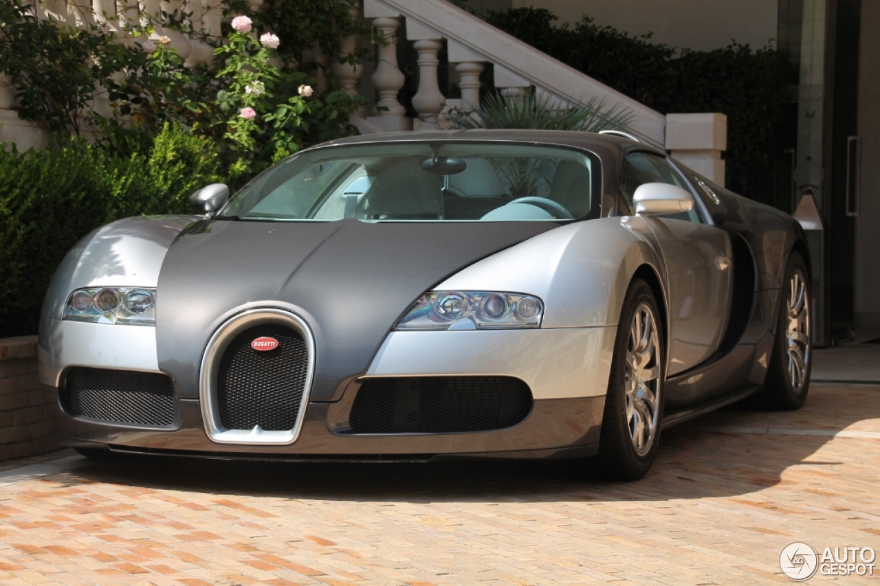 bugatti veyron 16 4 19 august 2015 autogespot. Black Bedroom Furniture Sets. Home Design Ideas