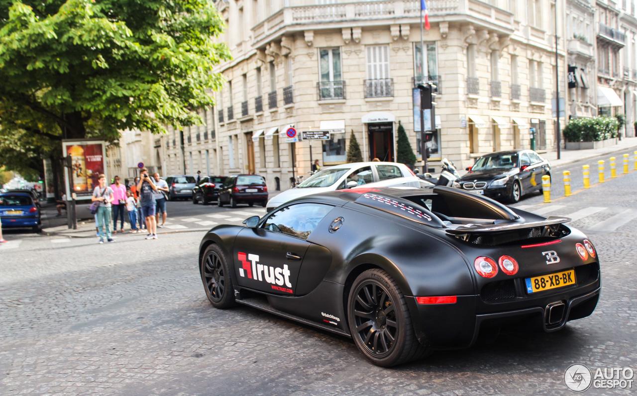 bugatti veyron 16 4 19 august 2015 autogespot. Black Bedroom Furniture Sets. Home Design Ideas
