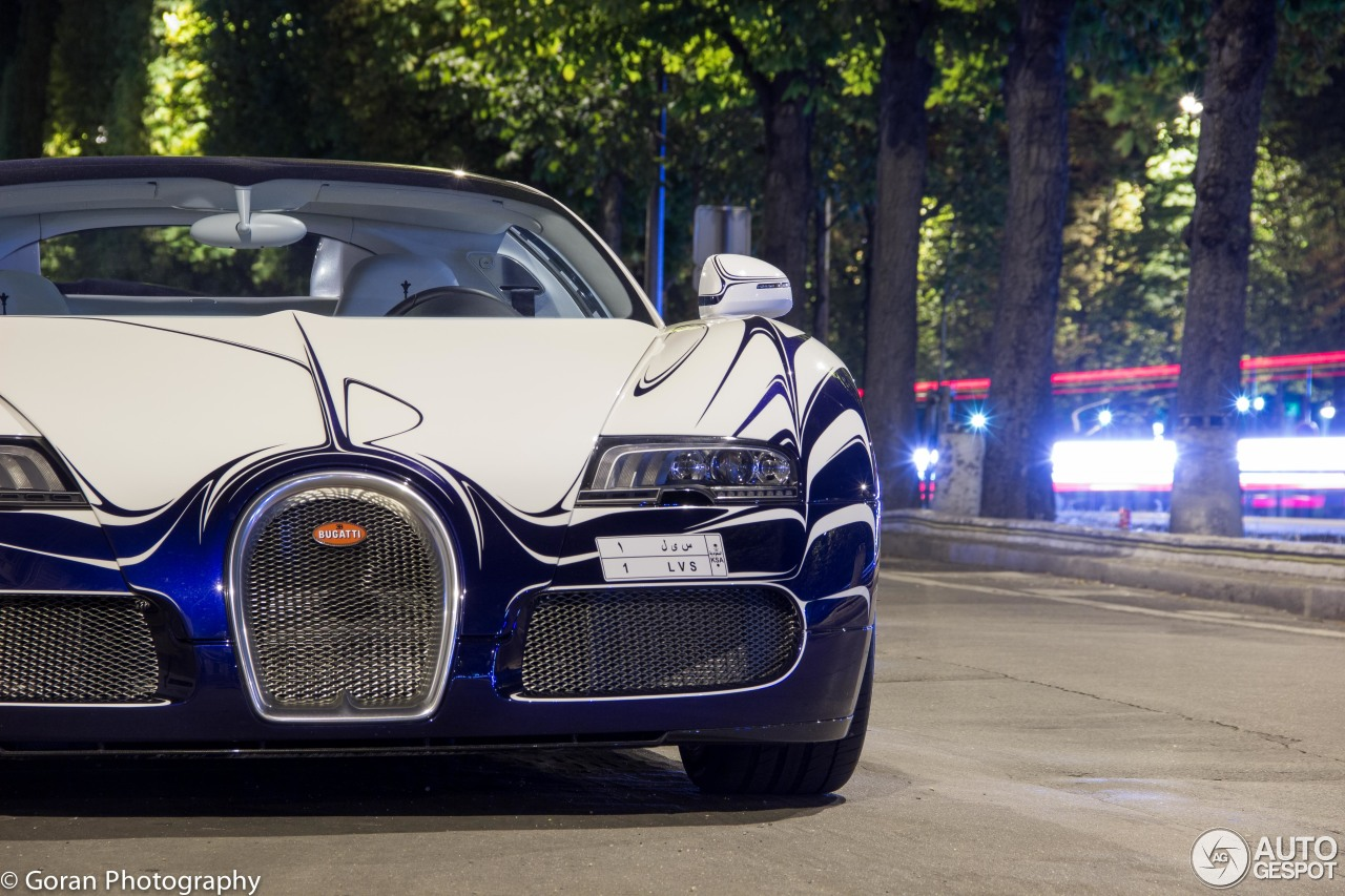 bugatti veyron 16 4 grand sport l 39 or blanc 20 august 2015 autogespot. Black Bedroom Furniture Sets. Home Design Ideas