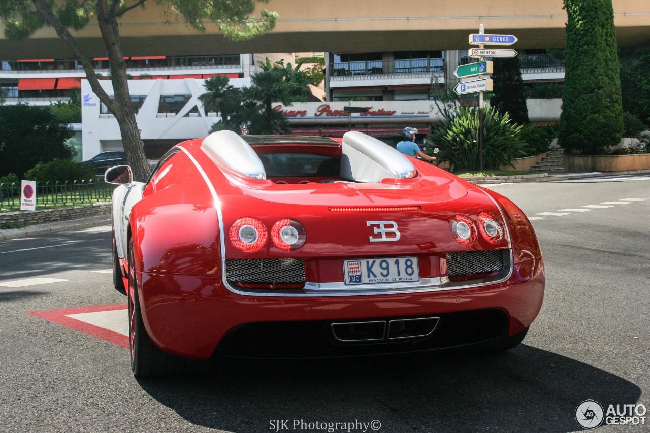 bugatti veyron 16 4 grand sport vitesse 20 august 2015 autogespot. Black Bedroom Furniture Sets. Home Design Ideas