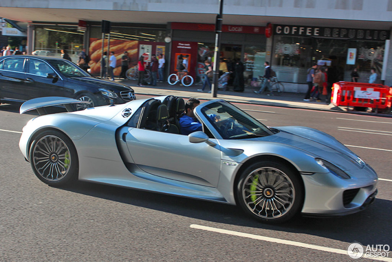 porsche 918 spyder 22 august 2015 autogespot. Black Bedroom Furniture Sets. Home Design Ideas