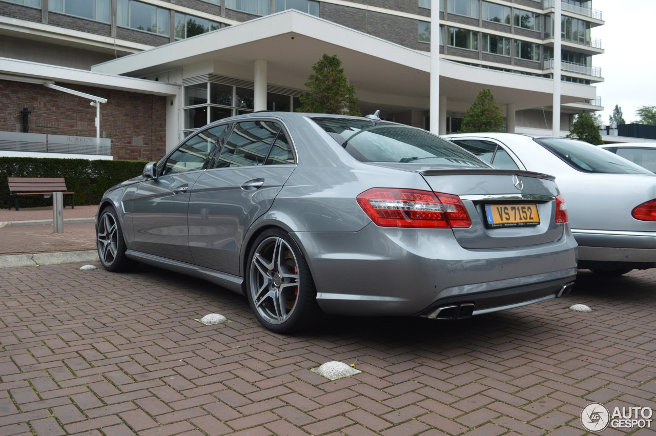 Mercedes benz e 63 amg w212 v8 biturbo 23 august 2015 for Mercedes benz v8 biturbo price