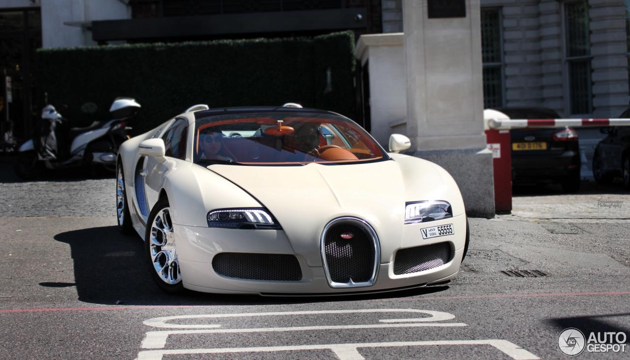 bugatti veyron 16 4 grand sport 24 august 2015 autogespot. Black Bedroom Furniture Sets. Home Design Ideas