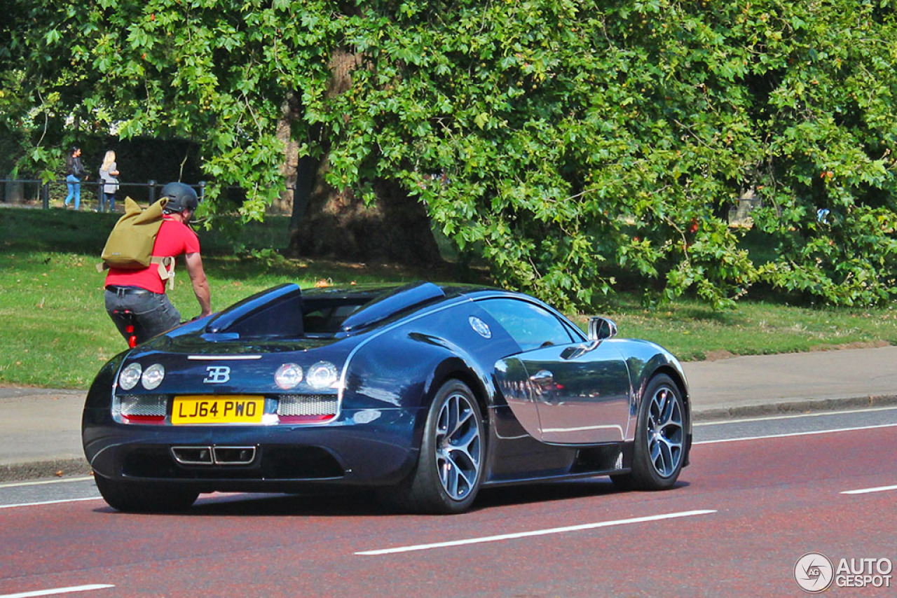 bugatti veyron 16 4 grand sport vitesse 25 august 2015 autogespot. Black Bedroom Furniture Sets. Home Design Ideas