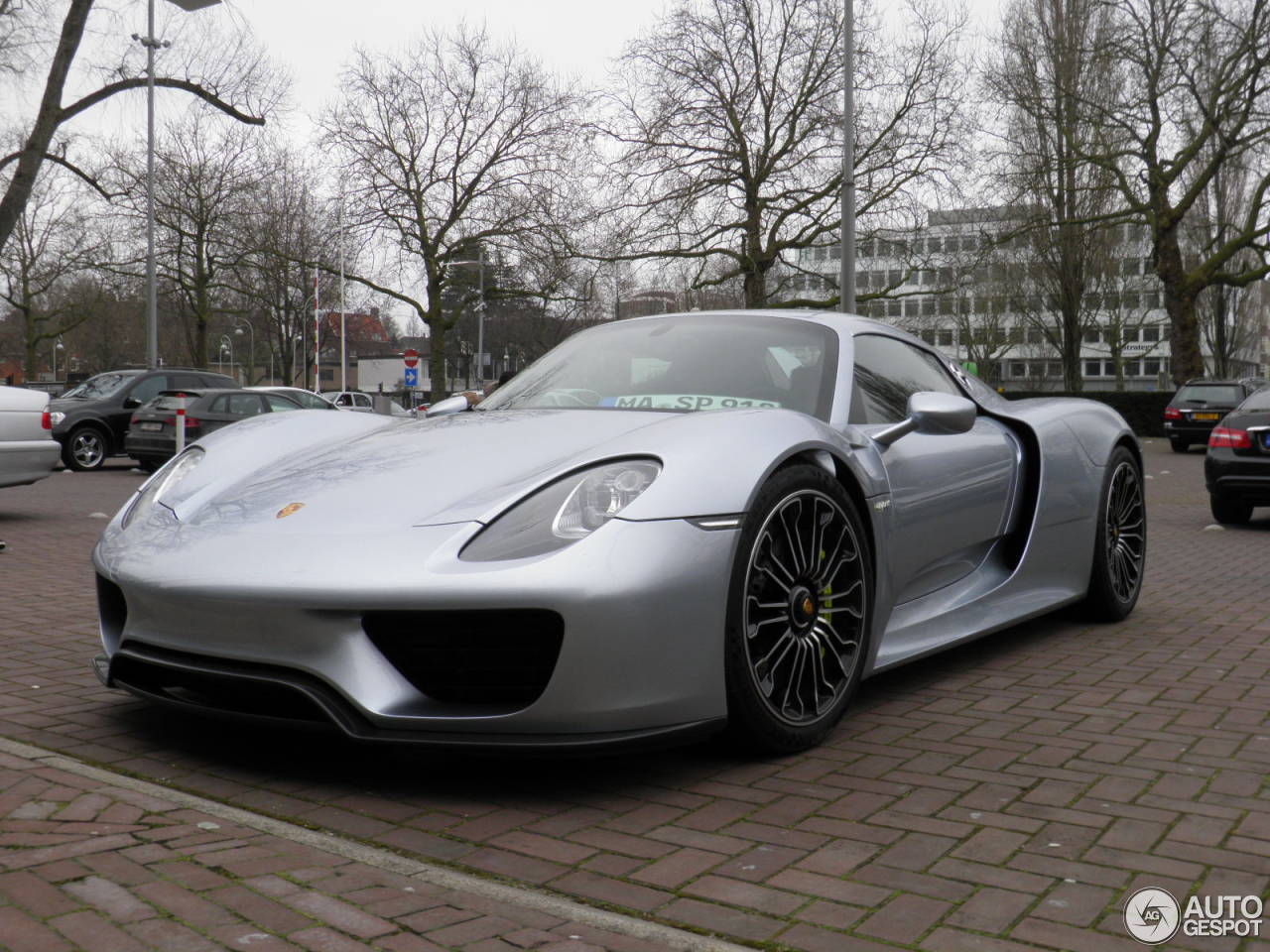 porsche 918 spyder 25 august 2015 autogespot. Black Bedroom Furniture Sets. Home Design Ideas
