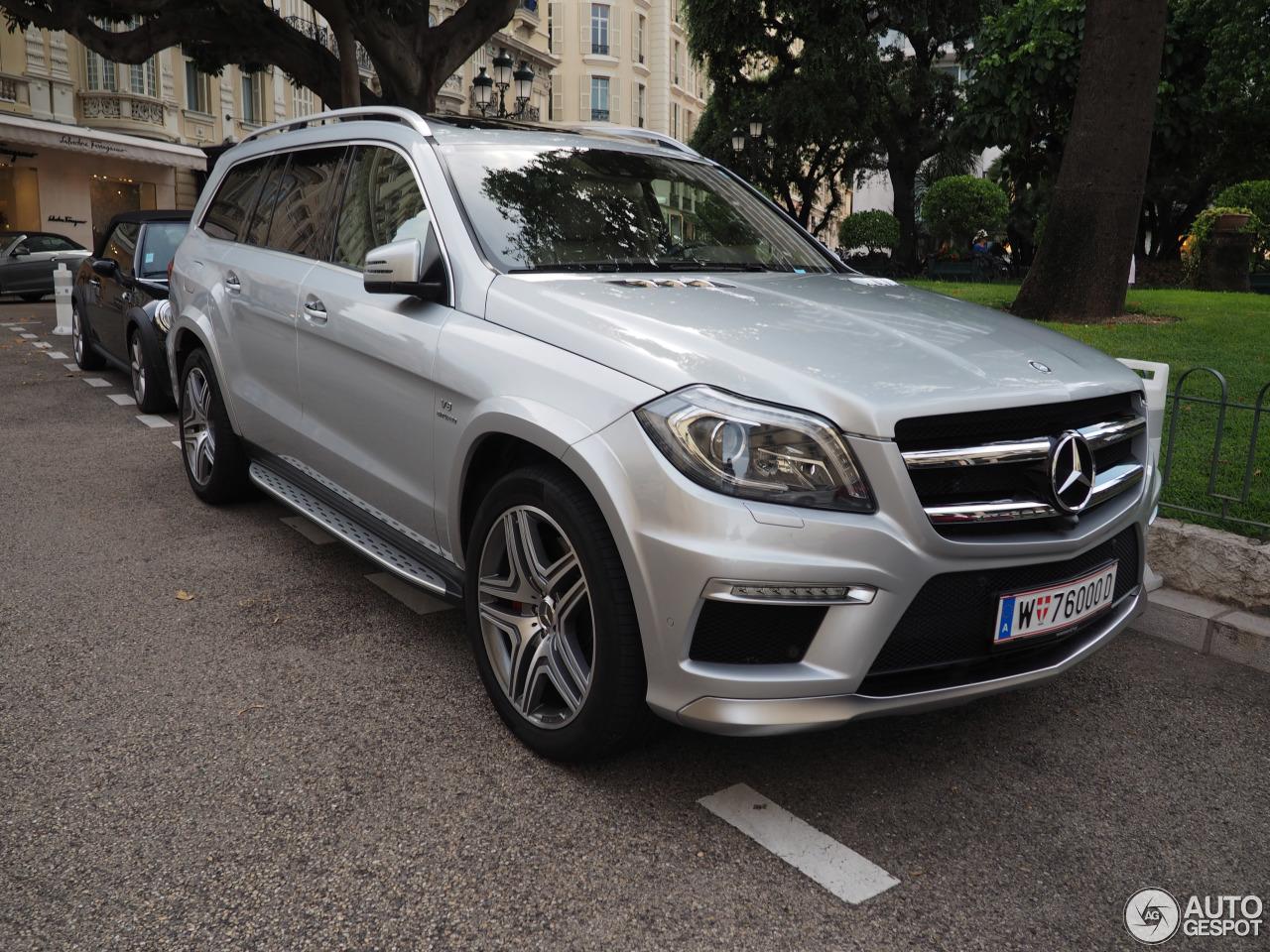 Mercedes benz gl 63 amg x166 26 august 2015 autogespot for Mercedes benz gl amg 2015