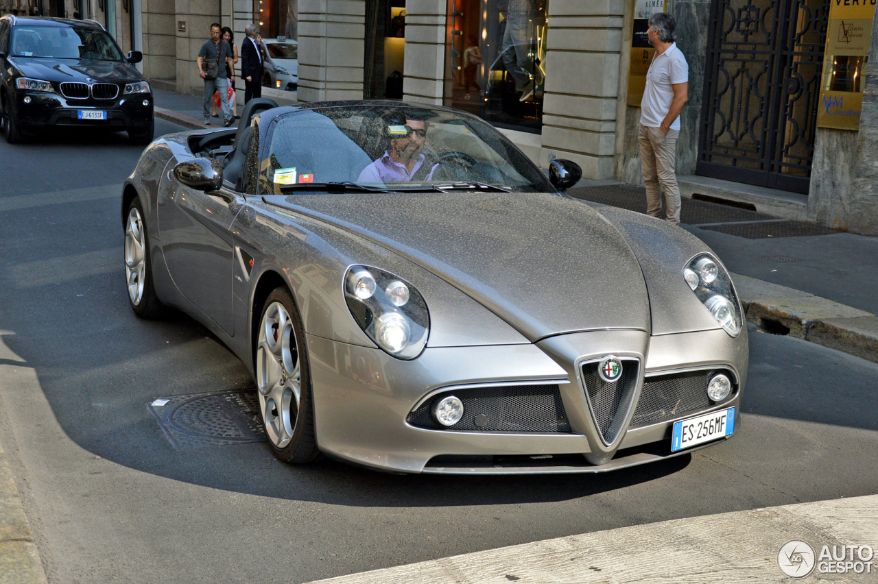 alfa romeo 8c spider 27 august 2015 autogespot. Black Bedroom Furniture Sets. Home Design Ideas