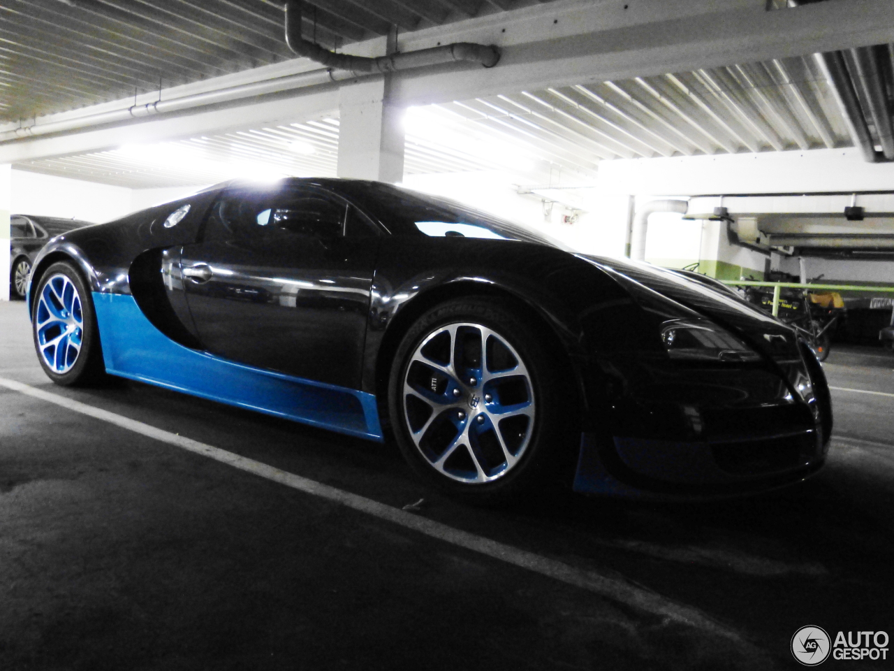 bugatti veyron 16 4 grand sport vitesse 6 september 2015 autogespot. Black Bedroom Furniture Sets. Home Design Ideas