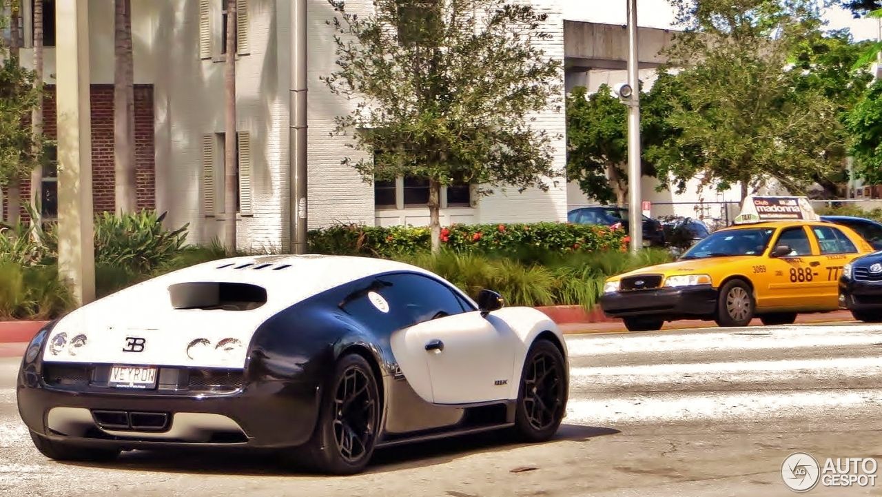 bugatti veyron 16 4 super sport pur blanc 8 september 2015 autogespot. Black Bedroom Furniture Sets. Home Design Ideas