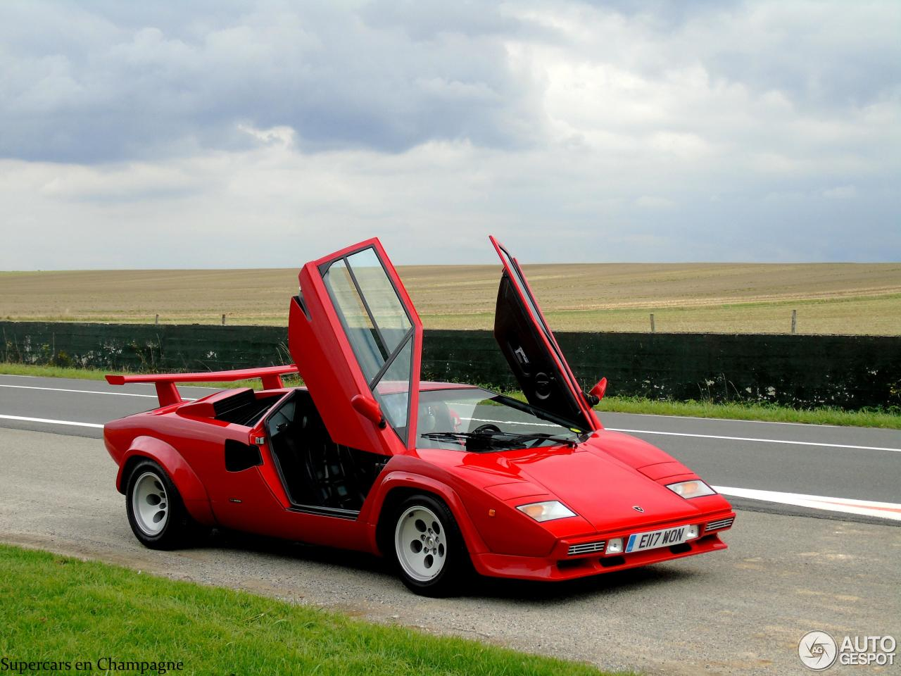 lamborghini countach 5000 quattrovalvole 9 september 2015 autogespot. Black Bedroom Furniture Sets. Home Design Ideas