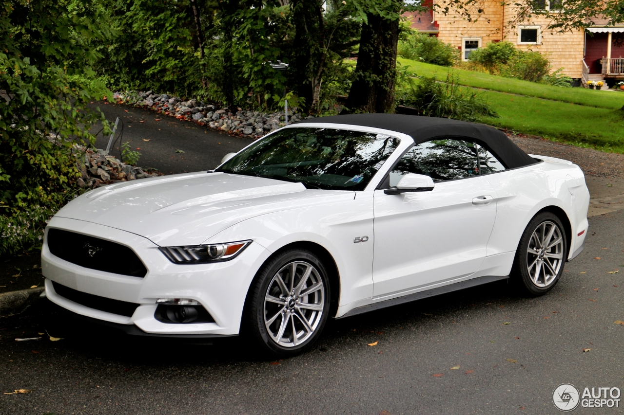 ford mustang gt convertible 2015 13 september 2015 autogespot. Black Bedroom Furniture Sets. Home Design Ideas