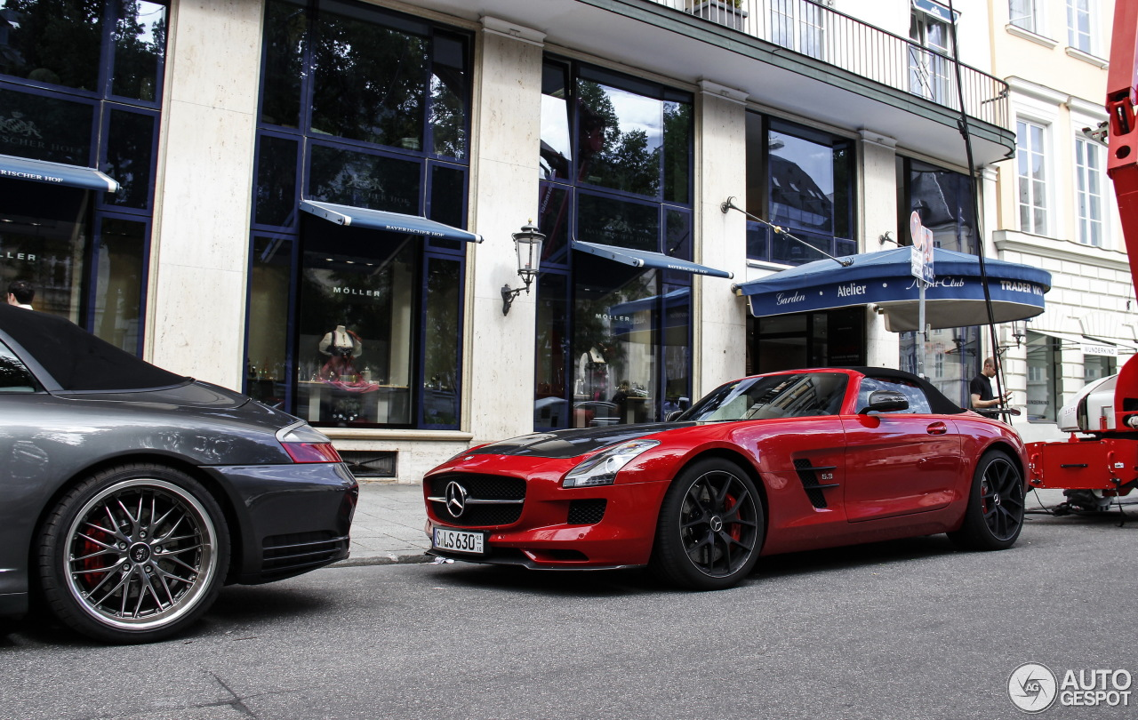 2015 Mercedes-Benz SLS AMG GT Roadster Final Edition - Side Wallpaper 1600  x 1200.