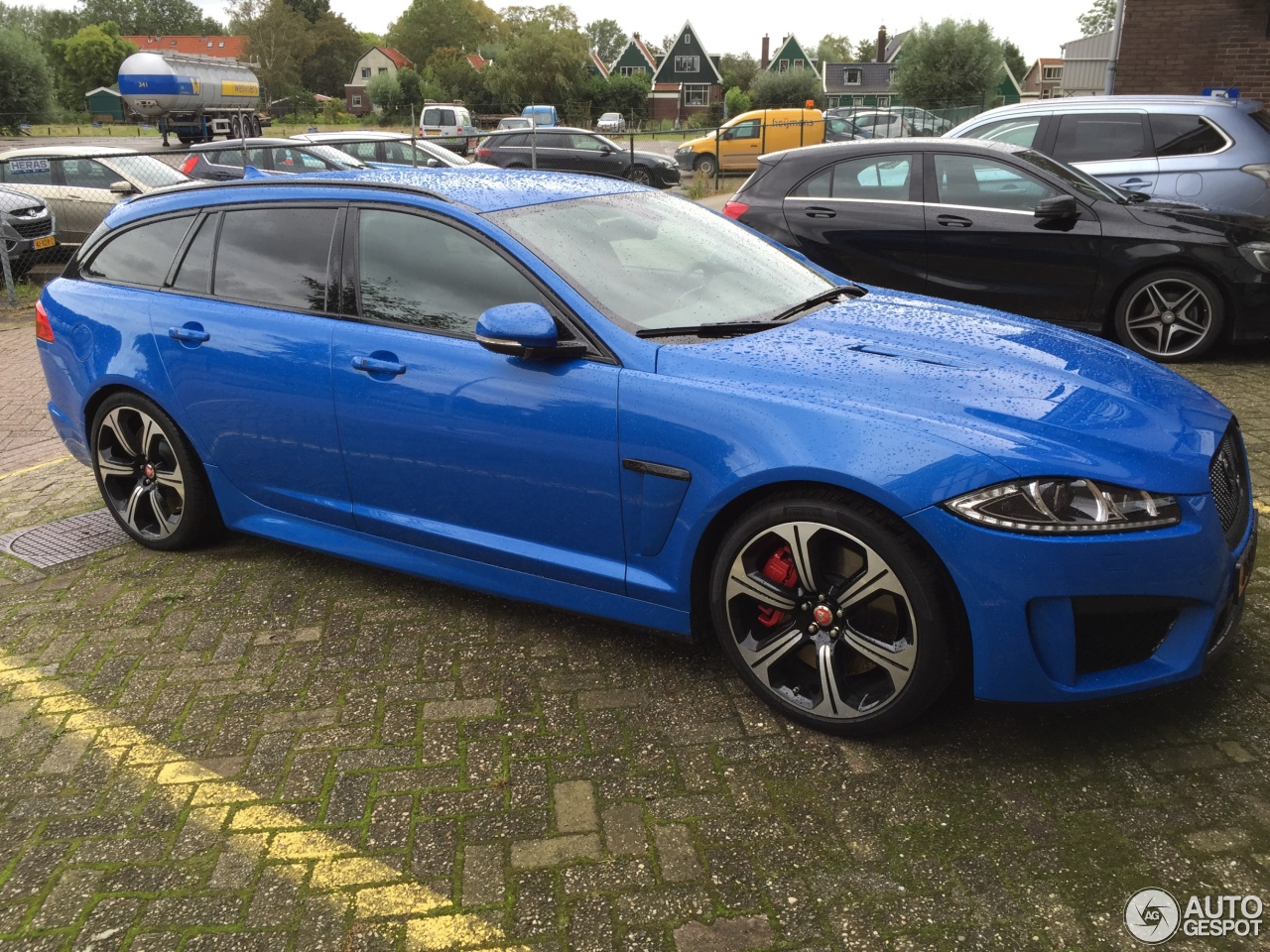 jaguar xfr s sportbrake 17 september 2015 autogespot. Black Bedroom Furniture Sets. Home Design Ideas