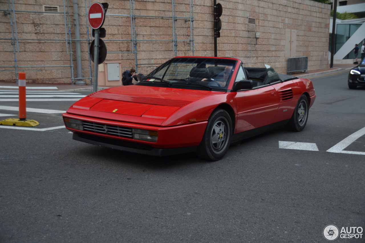 ferrari mondial t cabriolet a vendre ferrari mondial t cabriolet 5 ao t 2014 autogespot. Black Bedroom Furniture Sets. Home Design Ideas