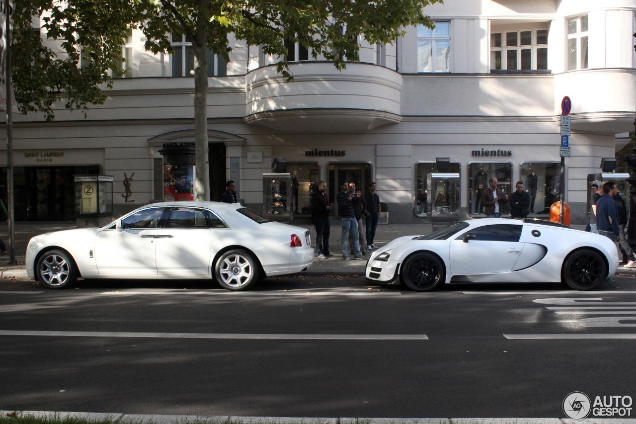 bugatti veyron 16 4 26 september 2015 autogespot. Black Bedroom Furniture Sets. Home Design Ideas