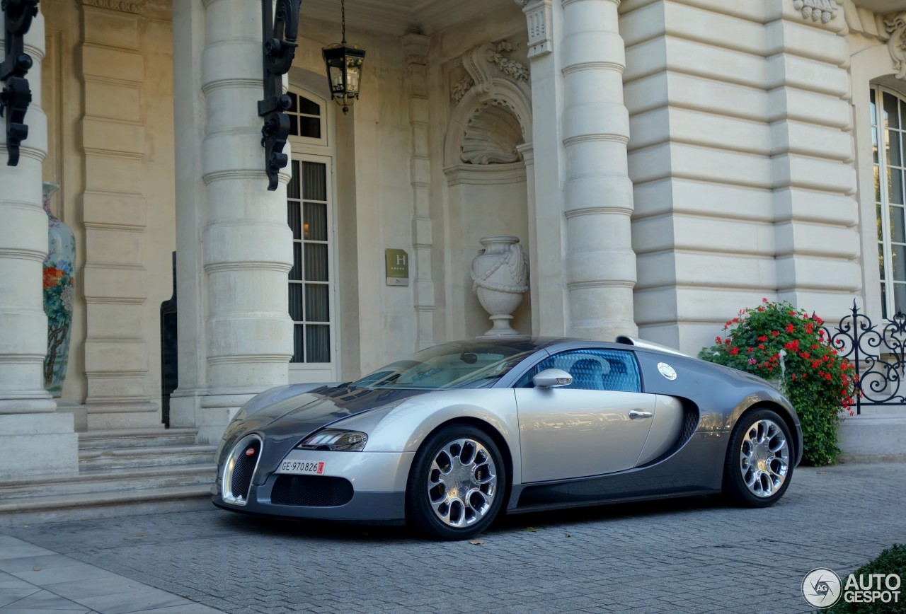bugatti veyron 16 4 grand sport 30 september 2015 autogespot. Black Bedroom Furniture Sets. Home Design Ideas