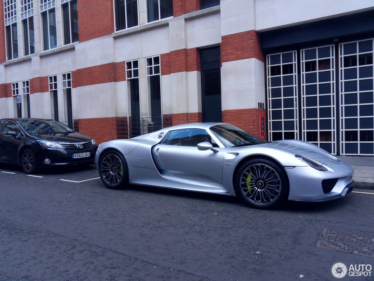 porsche 918 spyder 30 september 2015 autogespot. Black Bedroom Furniture Sets. Home Design Ideas