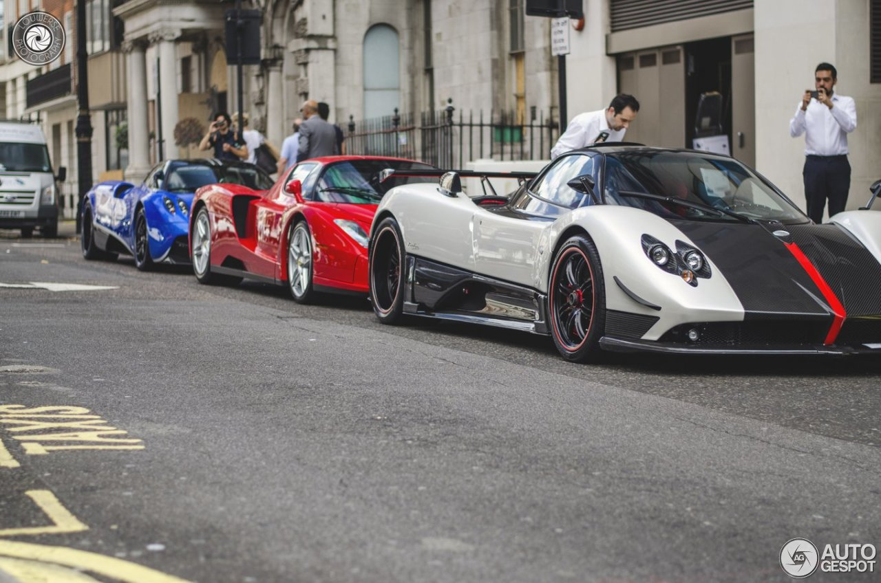 pagani zonda cinque roadster 1 octobre 2015 autogespot. Black Bedroom Furniture Sets. Home Design Ideas
