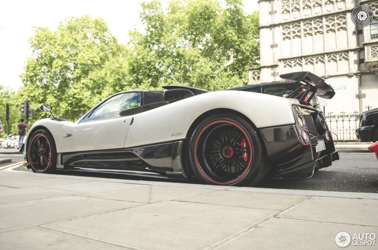 pagani zonda cinque roadster 1 october 2015 autogespot. Black Bedroom Furniture Sets. Home Design Ideas