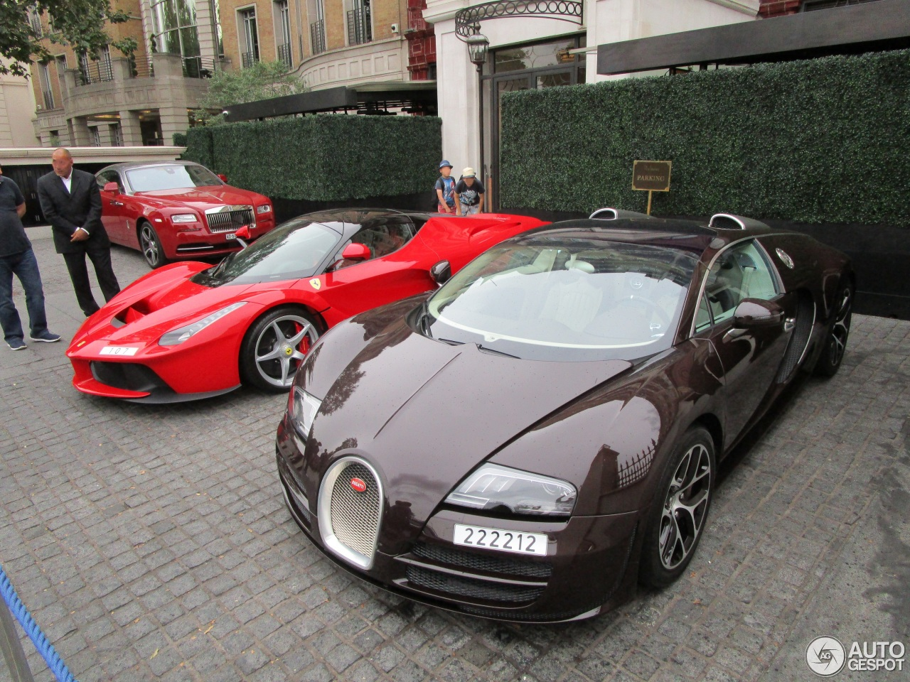 bugatti veyron 16 4 grand sport vitesse 17 october 2015 autogespot. Black Bedroom Furniture Sets. Home Design Ideas