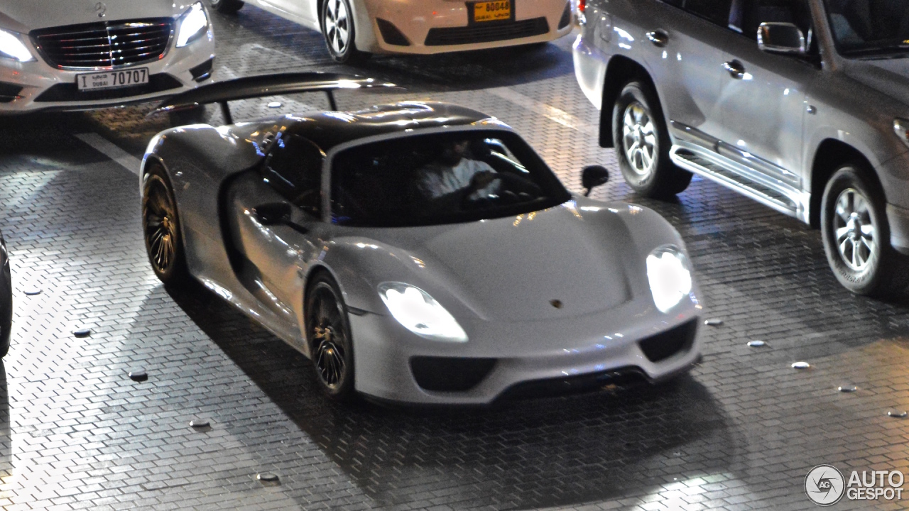 porsche 918 spyder 19 october 2015 autogespot. Black Bedroom Furniture Sets. Home Design Ideas