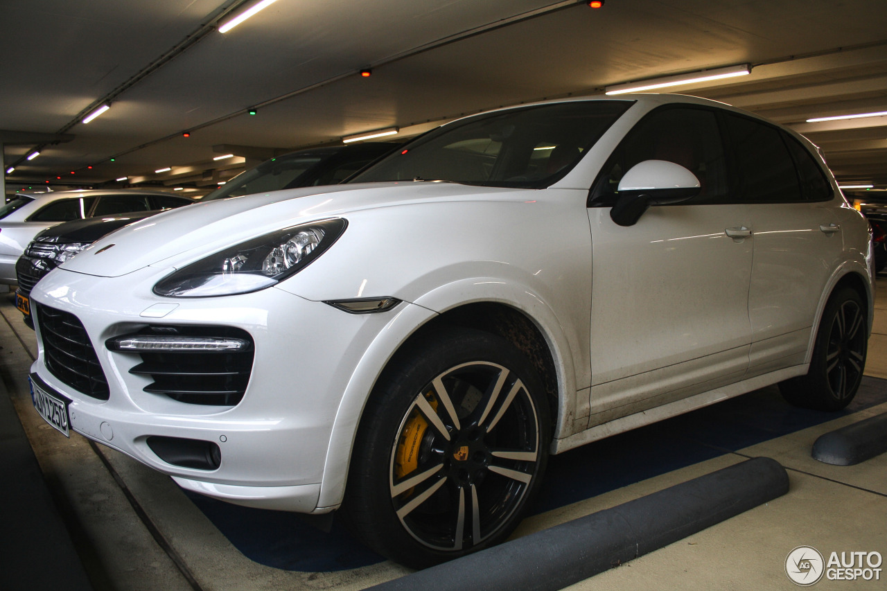 2015 Cayenne Gts Vs Land Rover Sport Supercharged Html