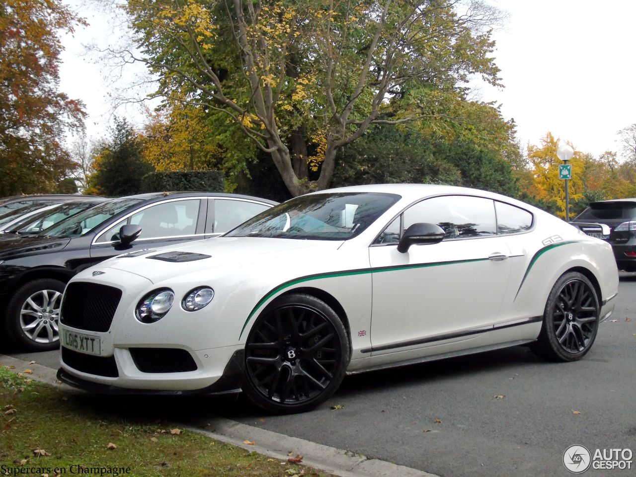 bentley continental gt3 r 25 october 2015 autogespot. Black Bedroom Furniture Sets. Home Design Ideas